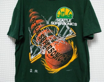 Seattle Sonics vintage T Shirt Supersonics NBA basketball Magic Johnson T's L/XL hip hop 90's fashion 1990s full print Payton Kemp defunct