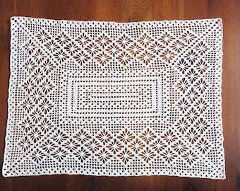 Crochet cover/Table runner/CA 40x55cm/Ecru