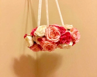 Flower mobile for babies' nursery