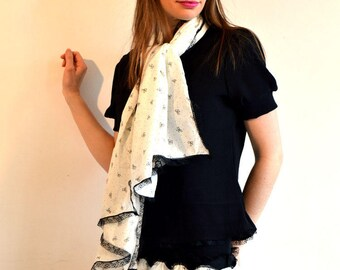 whtie scarf with black lace
