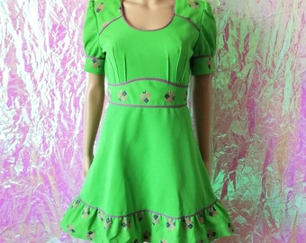 VINTAGE Neon Lime Green Embroidered Mini Mod Dress Small FREEUKP&P