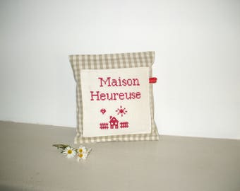 Decorative pillow with 13 cm x 14 cm cross-stitch Embroidery