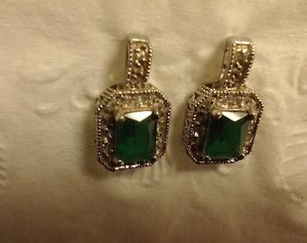Beautiful Rhinestone & Emerald earrings