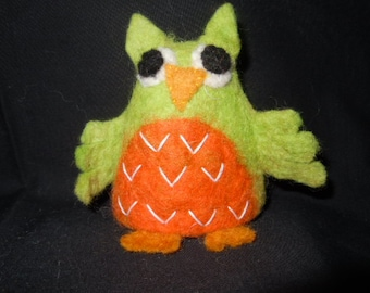 Owl Felt Eggwarmer designed in Germany, handcrafted from Nepal