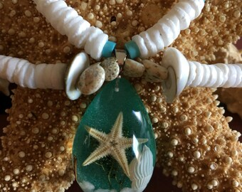 Sea shells by the sea shore pendant necklace