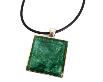 Hand made leaf and covered with resin pendant necklace