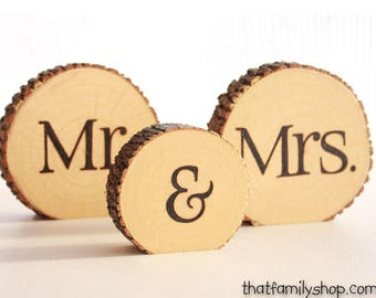 Sweetheart Table Centerpiece Rustic Mr and Mrs Sign Table Numbers Log Slices, Rustic Wood Bark Country Wedding Decor Mr and Mrs