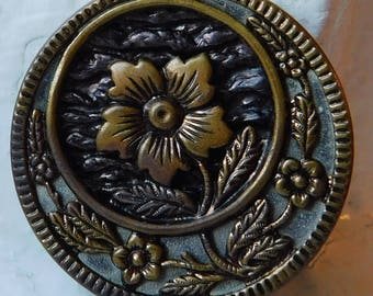 """Antique Vintage Twinkle Brass Floral Picture Button 