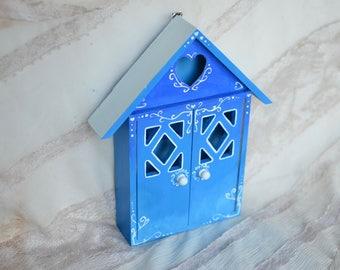 Key Holder, Wall Key Hooks, Wall key rack, key holder wall, rack, Cottage Chic key hanger, House Key Organizer, Farmhouse key fob
