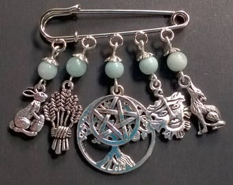 Pagan/Wiccan Earth Element Kilt/Cloak Pin with Amazonite. Wicca, Pentacle, Nature, Goddess, Witch
