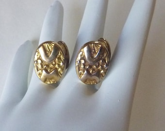 Victorian gold filled ornate high relief repousse cufflinks with VM monogram