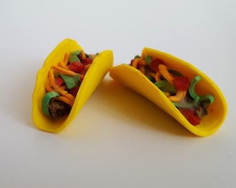 Set of two tacos suitable for play with dolls.