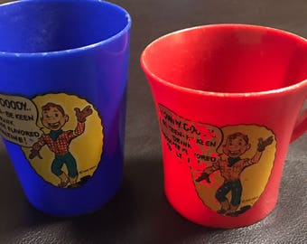 Vintage pair of two 2 Ovaltine Howdy Doody plastic kids childrens sippy drink cups