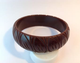 Bakelite bangle Bracelet carved rich chocolate brown