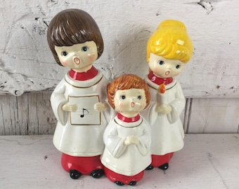 Vintage Christmas carolers singers musical wind up plays O Little Town of Bethlehem  Paper Mache made in Japan