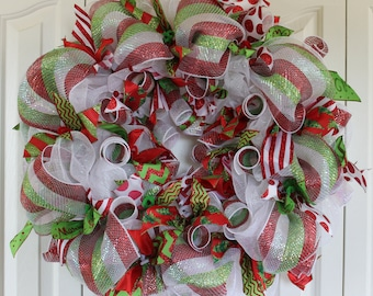 Christmas Deco Mesh Wreath.  Deco Mesh ribbon wreath.  Holiday Christmas decoration.  Christmas decoration. Christmas Chevron
