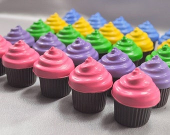 Recycled Crayons Cupcake Shaped - Set of 25.  Boy or Girl Kids Unique Party Favors, Crayons.