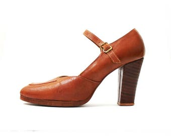 1960s Tan Mary Janes Platforms Shoes