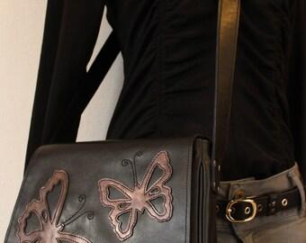 sac bandoulière ; sac cuir noir ; sac papillon ; sac besace  papillon