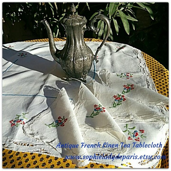 Antique White French Linen Tea Tablecloth & Napkins Lace Trim Flowers Embroidered #sophieladydeparis