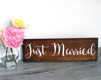 Just Married Sign - Wedding Photo Prop - Wedding Announcement Prop - Rustic Wedding Decor - Garden Wedding Decor - Sweetheart Table Decor