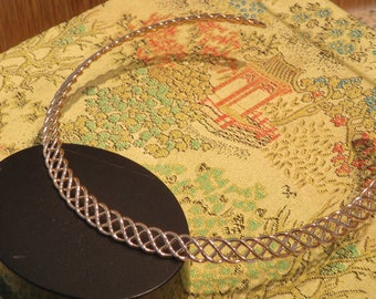 "CHOKER NECKLACE, Gold Tone Openwork Design, 15"" Length (#4J)"