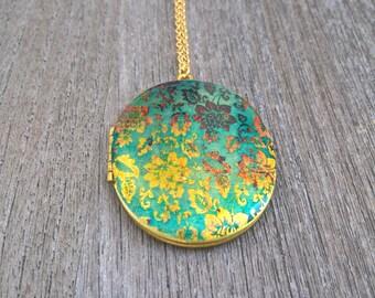 Locket,Brass Locket, vintage wallpaper,tree of life,natur,life,green tree,spring,oval locket,gold chain,