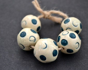 5 Dotted Ball Beads, Sphere Beads, White / Teal Blue Beads, Nautical Beads, Handmade White Clay Beads, Jewelry Supplies