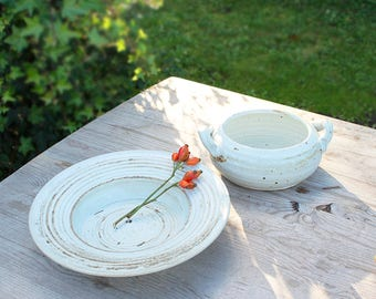 A vintage stoneware dish and ear bowl (Pottestuen Frederikshavn)