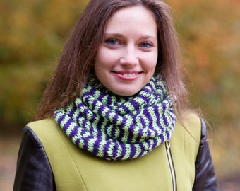 """Warm Knitted Infinity Scarf for Her """"Tabby"""""""