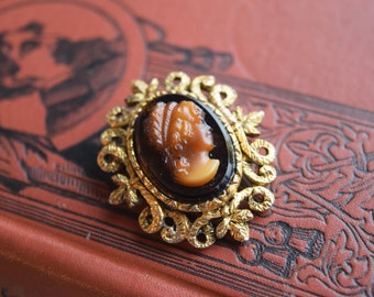 Vintage Cameo Jewelry Lot, Glass REsin, Reverse Intaglio, Ornate Brooch, Pendant and Loose Cameo