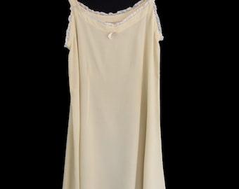 Vintage Lingerie - 1920s Silk Crepe Slip - Cream - Bust 81 cm