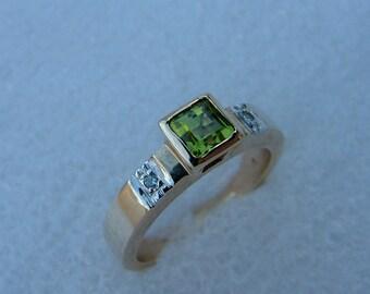 diamond and peridot gold ring