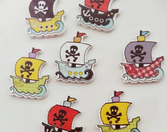 10 Wooden buttons to Pirates / Corsairs / Galleon / Pirate Ship / Skull / Treasure Island in mixed colors 32x25 mm