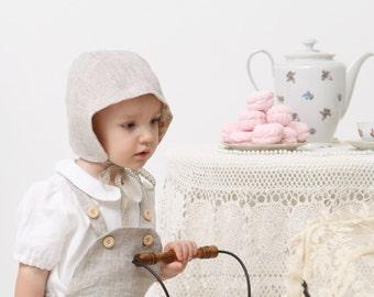 Baby girl bonnet Natural Linen bonnet Baby sun bonnet Reversible bonnet with lace trim Toddler bonnet Baby sun hat Infant bopnnet