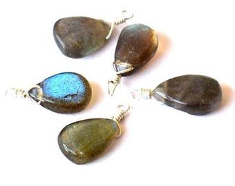 Gorgeous Labradorite bead on silver wire 1