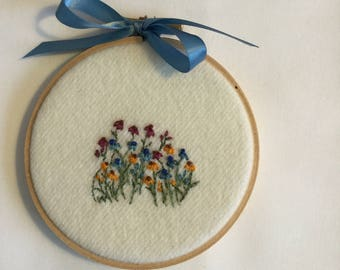 Embroidered patch of coreopsis