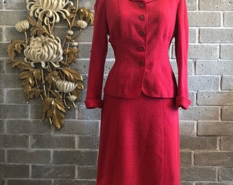 Vintage suit 1940s suit hot pink suit wool suit size medium wool suit jacket and skirt andrews suit fitted suit film noir girl friday