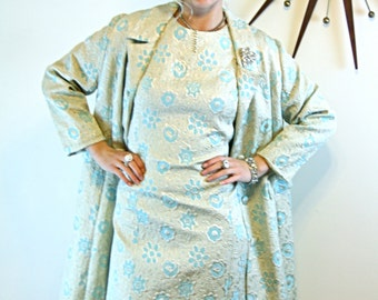 Vintage 60s Perfect Wiggle Dress Jacket Set 2 Two Piece Outfit Suit Silver Aqua Cream Quilted Floral Brocade 1960s MAD MEN Outfit Size XL 12