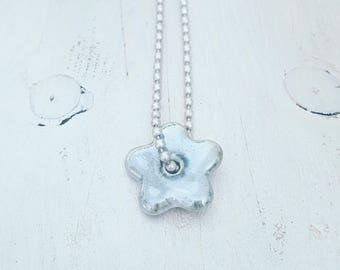 twentyonehappinezz • silverplated ballchain necklace with a porcelain hanger: flower.