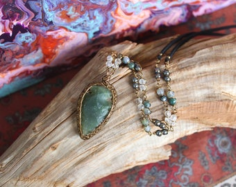 Moss Agate Arrowhead Necklace with Clear Quartz, more Moss Agate and Hematite.