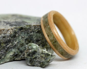 Mens Wood Ring, Bentwood Ring, Stone Inlay Wood Ring, Maple Wood Ring, Wood Wedding Band, Connemara Marble Stone Inlaid Ring, MnMWoodworks