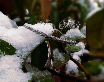 Iiska perlé | Bracelet en cuir et fil d'étain | Inspiration bijoux scandinaves et finno-ougriens | Tenntråd