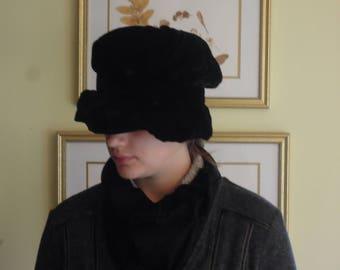 Vintage Black Velvet Edwardian Victorian Cloche Hat / English Cloche Hat