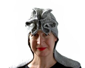 Futuristische Hut in Silber Spitze gefilzt Aviator Mütze mit Ohrenklappen Muschel Skulptur Elven RenFaire Fantasy Kopfschmuck - Erwachsene Größe