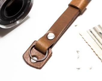 Leather camera wrist strap - Maier by AlterSkin