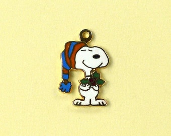 Aviva Vintage Snoopy in Stocking Hat holding Holly  Enamel Cloisonne  0096