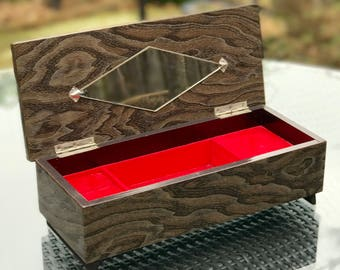 Musical Jewellery Box High Gloss Lacquered Wood Grain Pattern Red Velvet Interior Compartments Windup Mechanism Gold Red Jewelled Decoration