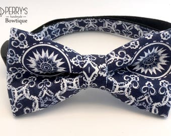 Kaleidoscopic Pattern in Navy Bow Tie and Collar