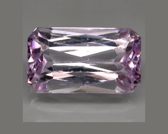 KUNZITE (36072) * * *   Lavender Pink - Clean! 17 x 10mm / 11 cts. Kunzite - Brazil - Faceted